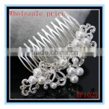 Newest design white pearl and crystal flower wedding bridal claw clip hair accessories comb