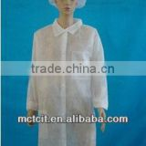 Disposable non-woven customized breathable lab coat with knitted collar & elastic cuff & pockets