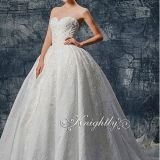 Stapsless Jacquard Satin Lace Applique Wedding Gown