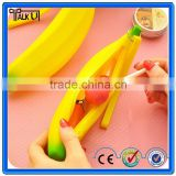 Silicone banana shaped lady handbag,silicone mini bag for women,promotional silicone mini bag