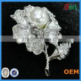 New style hot sell flower pearl rhinestone brooch pins wholesale cheap decorative rhinestone jewelry