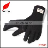 Factory supply fashion knitted smart finger touch winter glove for man