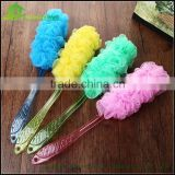 Plastic long handle puff mesh bath sponge body exfoliating scrubber bath brush wholesale sponge cleaning
