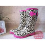 Cheap and high quality rubber rain boots