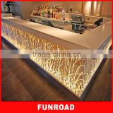 Bespoke Clothes Retail Shop Solid Wood Finish Checkout Counter with Wall Decoration