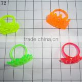 Plastic toy crown rings in small size and cheap price bulk packing or polybag