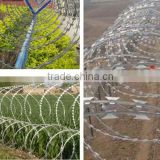 razor barbed wire fence / razor barbed wire mesh fence / razor barbed wire price from China