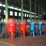 sand blasting booth with blasting pot in China