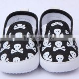 2014 wholesale baby shoes brand new boys and girls black and white skull infant baby shoe