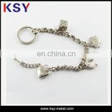 2016 new type zinc alloy material metal keychain with man