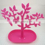 Fashion Detachable plastic tree jewelry display stands in various colors