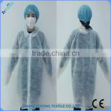 White Nonwoven Disposable Medical dustproof and Waterproof Lab Coat for milk worker