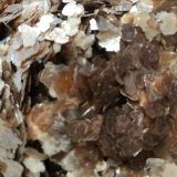 Gold Raw Color Rock Mica Flakes For Pearlescent Pigment , 3 - 5mm
