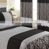 Classic jacquard duvet cover with curtains