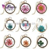 Living Memory Charms Nature Dried Flower Glass Locket Pendant for women, Real Dry Flower Heart Collar Necklace Pendant