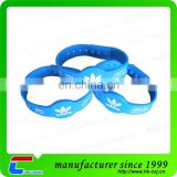 ISO14443A Waterproof silicone wristband MIFARE Classic 4K nfc bracelet with LOGO printing