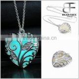 Alloy Luminous glow in the dark heart locket charm pendant ladies jewelry necklace