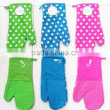 Wholesale Kitchen Gloves Trendy Plain Dye Silicone Oven Glove And Dotted Cotton Twill Oven Mitten