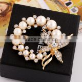 Fashion Jewelry Vintage Brooch Pins Gold Plated Austria Crystals Imitation Pearl Flower Brooch Wedding Accessories IH153