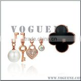 delicate clover beauty key heart pearl crystal metal alloy brooch