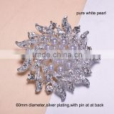 (M0651) 60mm rhinestone metal brooch with pin at back,can remove it,silver plating,pure white pearl