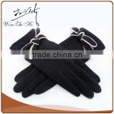 Cute Butterfly Decorated Smartwool Hand Master Gloves Fashion