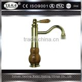 2014 China Brass Wholesale Ceramic Deck Mounted Single Beautiful Kitchen Faucet
