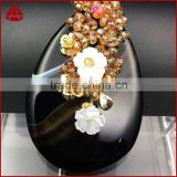 Fashion spring feeling wire wrap natural stone oval onyx agate slice & white shell flower crystal beads brooch & pendant jewelry