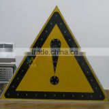 Triangle design aluminum warning sign solar powered led traffic safety road sign