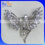 China Made Wholesale Wedding Brooch Bouquet Cubic Zircon Pearl Brooch Fashion Angel Wings Brooch Pin