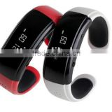 2014 fashion bluetooth smart bracelet watch LCD anti-lost vibrate calls for all smartphone