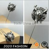 China OX shape wholesale cheap price poppy metal pin badge