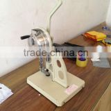 Manual banner eyelet machine