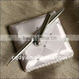 Romantic White Rhinstone Wedding Pen Stander Metal Pen Holder with Wedding Ball Pen and Book