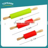 Toprank Wholesale Bakeware Tool Food Grade Silicone Rolling Pin Non-stick Wooden Handle Kids Rolling Pin