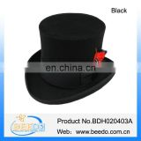 Woolen top hat with feather decoration