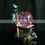Customized Creative Resin crafts magic ball luminous skull Action Figures For decoration China Factory