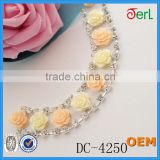 Beautiful Design Colorful Flower Shape Plastic Pearl Rhinestone Chain for Wedding Dress