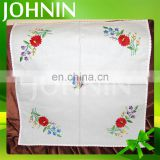 hot selling wholesale customized elegant embroidery table cloth