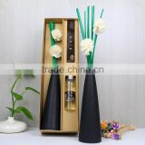 Black ceramic vase fragrant cane reed diffuser with green rattan sticks