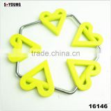 16146 heart shape unti-skidding table silicone mat