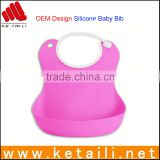 Alibaba New Products 100% Silicone Baby Safe Material Waterproof Soft Silicone Triangle Reversable Training Restaurant Bib