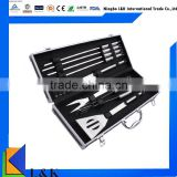 12 pieces cool bbq accessories with aluminum case/bbq grill/bbq tools