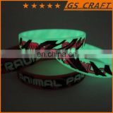 silicone bracelet glowing in dark with printed logo/green color luminous silicone bracelet /best for gifts to friends