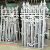 What is special about the degreasing process of aluminum alloy castings