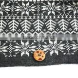 2014 New Design Acrylic Knitted Double sided winter snood With button