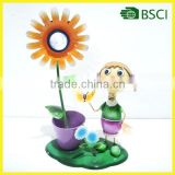 YS15079 Metal girl planter with solar sunflower garden light
