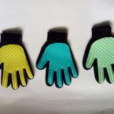 Custom color dog bath cleaning grooming glove brush silicone pet gloves