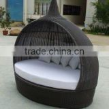 Hot Sale Outdoor Furniture Using Eco-friendly Anti-skidding Wicker Rattan Beach Daybed Chaise Lounge