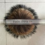 RFB003 Top quality raw raccoon fur pompom with buckle Classic fur balls for garment accessory